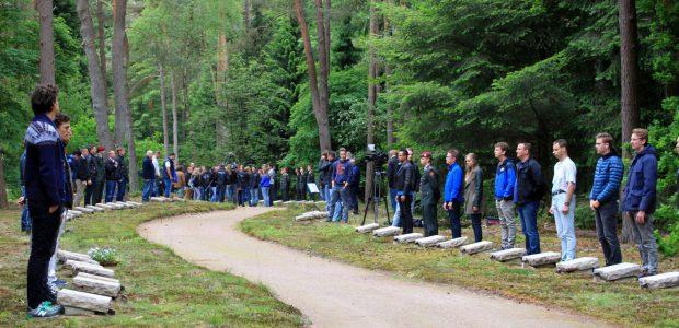 173 verzetsstrijders krijgen een gezicht tijdens Dodenherdenking op Nationaal Ereveld Loenen
